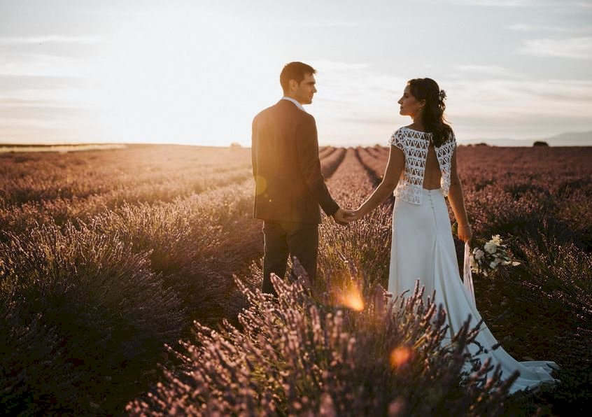 Mariage en Provence en voiture vintage