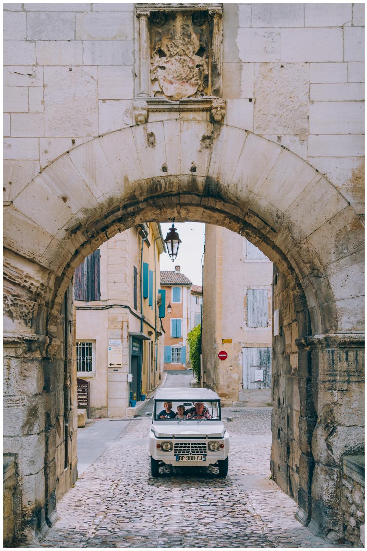 Vacances en Méhari électrique en Provence
