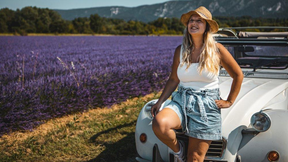 À travers les paysages de Provence en 2CV, Méhari et en Coccinelle décapotable