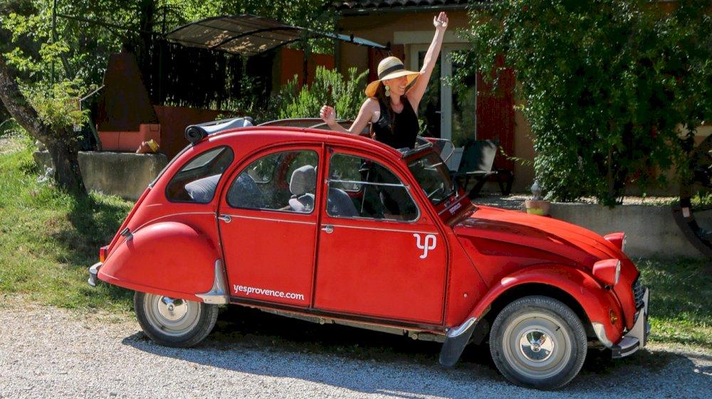Le lab by Estelle à testé pour vous une 2CV sans chauffeur dans le Luberon avec Yes Provence