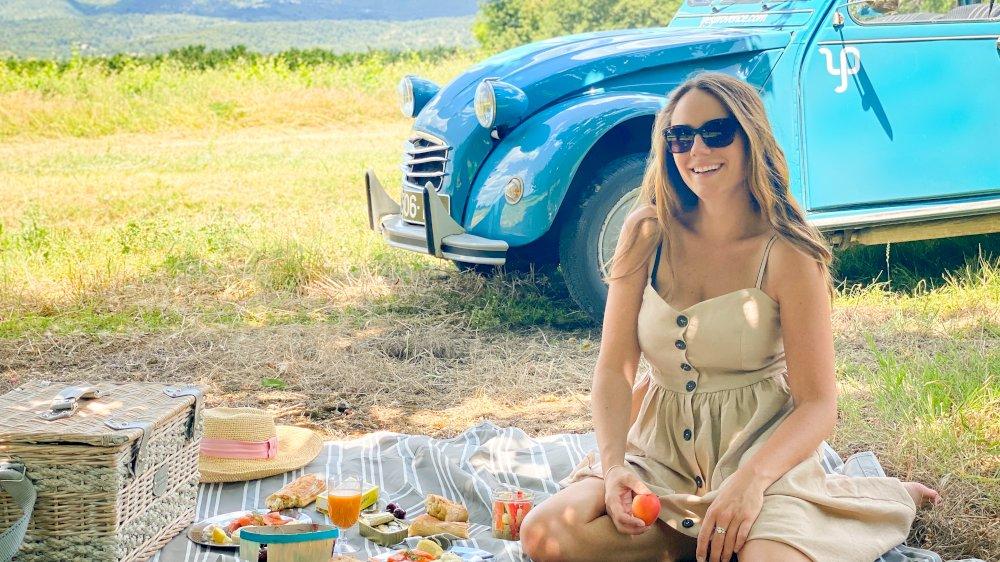 Curious Provence est venue testé une 2CV en Provence