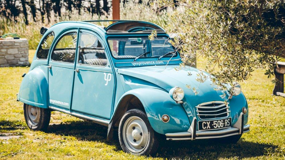 L'écho du mardi parle des locations de voitures vintage en Provence