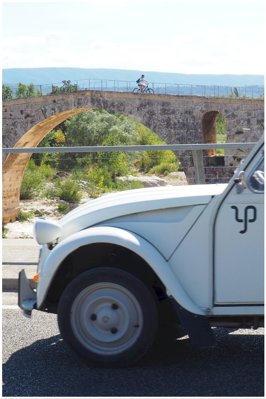 journée en 2CV en Provence