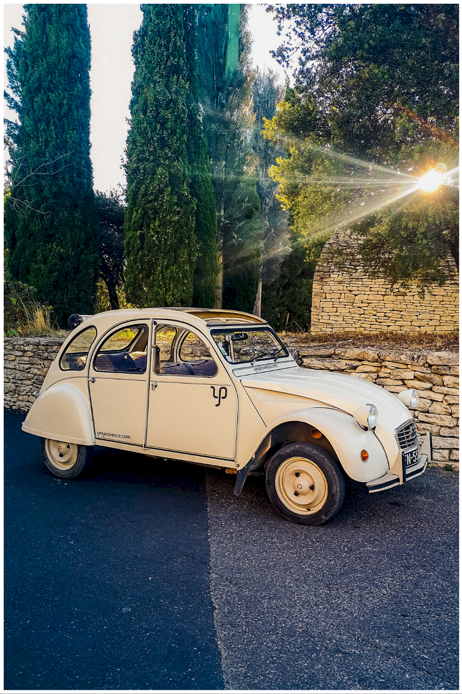 Balade en 2CV en Provence