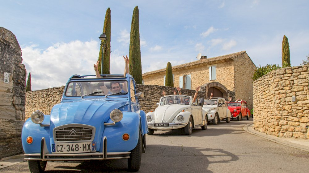 The Mounts of Vaucluse in a 2CV